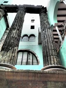 Augustuksen temppelin pylväät